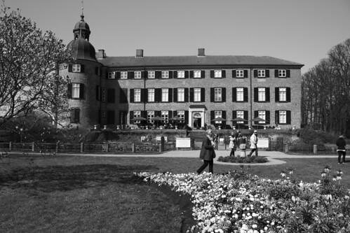 """Eutiner Schloss (24) Gartenfassade • <a style=""""font-size:0.8em;"""" href=""""http://www.flickr.com/photos/69570948@N04/26852537992/"""" target=""""_blank"""">View on Flickr</a>"""