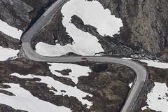 Red Car - 94 (Aerial Photography) Tags: schnee snow norwegen nor cabrio roadster redcar gebirge kurven jaguaretype rotesauto strase norddal norwegennorway 5sr16499 strandamoreogromsdal
