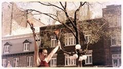 File0179 (mariej55quebec) Tags: people woman man artist femme crowd foule homme gens artistes vieuxqubec spectacle jongleur acrobates artistesderue amuseurs
