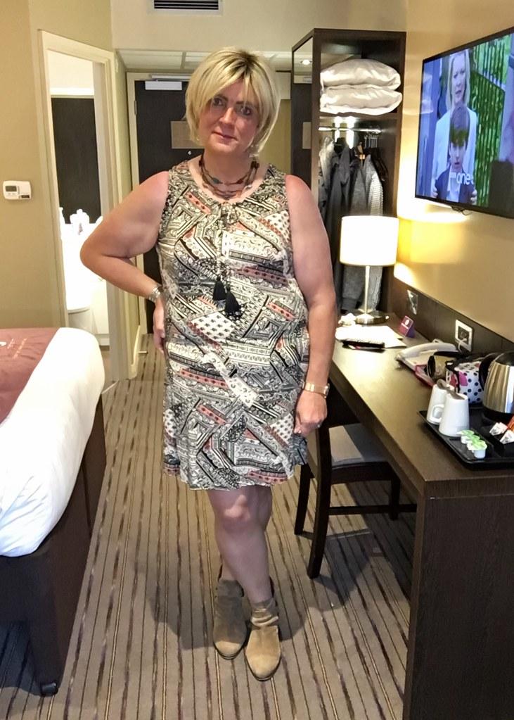 hotel crossdresser