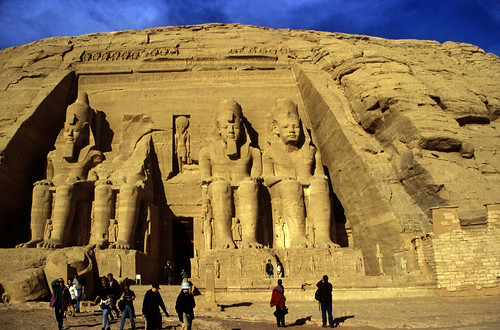 "Ägypten 1999 (130) Assuan: Großer Tempel von Abu Simbel • <a style=""font-size:0.8em;"" href=""http://www.flickr.com/photos/69570948@N04/27460340806/"" target=""_blank"">View on Flickr</a>"
