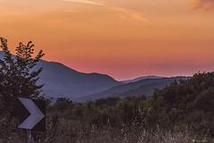 ROSSI DEL TRAMONTO (Ezio Donati) Tags: sunset red italy panorama nature landscape nikon italia tramonto d natura hills colline lazio valleys 810 tuscia roddo vallate