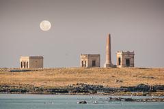 [9780] Isla de Flores, Uruguay (Ojo Torpe) Tags: moon seagulls abandoned birds island uruguay ruins fullmoon coastline montevideo riodelaplata isladeflores