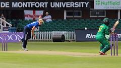 Womans_ODI_0034 (john.mallett) Tags: cricket ecb odi englandvpakistan womanscricket englandwoman fischercountyground