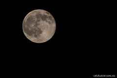 Luna llena de junio (Photo Valdueza) Tags: noche luna lunallena 500mm detalles llena