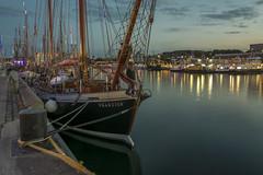 Franzius (rahe.johannes) Tags: blauestunde schiffe kiel kielerwoche kielerfrde baltic wasser meer architektur stadt lichter schleswigholstein spiegelung boote hafen segelschiff
