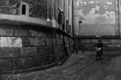 Via Dietro Duomo (r_evolution63) Tags: street city morning blackandwhite bw italy church monochrome bicycle grey cycling monocromo blackwhite europa europe italia grigio sony streetlife chiesa oneway duomo bianconero biancoenero citt padova bicicletta cattedrale mattina padua veneto dscw7 sensounico nordest provinciadipadova viadietroduomo