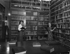 Interior of Townsville library, ca. 1948 (State Library of Queensland, Australia) Tags: library libraries books librarians bookshelves