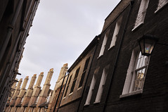 DSC_0692 [ps] - Trinity's Comb (Anyhoo) Tags: old uk cambridge chimney england brick window glass lamp wall streetlight row sash repetition tall parallel cambridgeshire glazing cambs trinitylane sahswindow