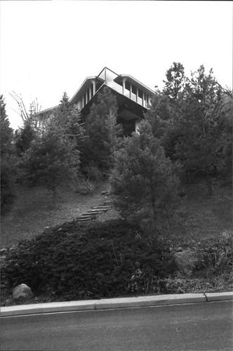 Photo - 56- 450 College, 2000