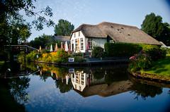 Giethoorn-Nederland (Johann Ehwalt) Tags: old travel house nature colors restaurant nikon village nederland reflect giethoorn 18105 d7000