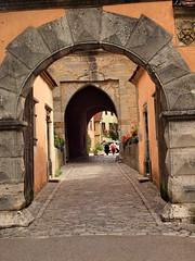 Rothenburgh Arches (saxonfenken) Tags: street city germany bavaria town arch cobblestones rothenburg 7055 thechallengefactory pregamewinner gamesweepwinner 7055city