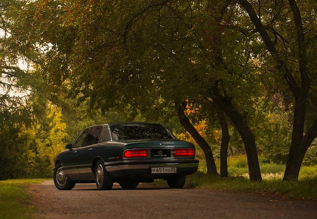 auto lighting nature car sedan buick russia american omsk parkavenue fullsize strobist ????? ???? worldcars