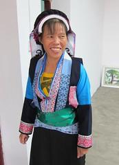 Buyi smile (MFinChina) Tags: china clothing embroidery sewing traditional guizhou minority liuzhi buyi