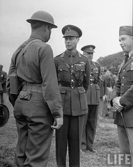King And Queen Visit US Troops In Northern Ireland (G.I.N.I) Tags: army us king queen ww2 northernireland 1942 aef ballykinlar ballykinler