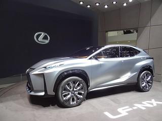 Lexus LF-NX hybride