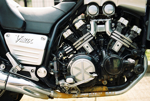 film japan 35mm kodak engine sigma motorcycle yamaha motor kodakgold100 vmax sigmasa9 gold100 sa9 sigma35mm sigma35mmf14 sigma3514 明舞団地 sigma35mmf14art sigma35mmart sigma3514art
