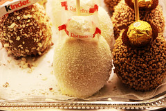 Raffaello Apple (PhotoDesignPham) Tags: carnival food white germany amazing sweet chocolate deluxe kinder leipzig delicious foodporn coco apples kinderschokolade schokolade sweety raffaello foodgasm foodlove