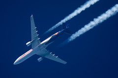 Brussels Airlines Airbus A330-301 OO-SFO 'Belgian Red Devils' (Thames Air) Tags: brussels airlines airbus a330301 oosfo belgian red devils contrails telescope dobsonian overhead vapour trail