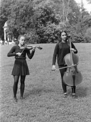 Prima del concerto (sirio174 (anche su Lomography)) Tags: park parco como students concert concerto orchestra westsidestory studenti villaolmo