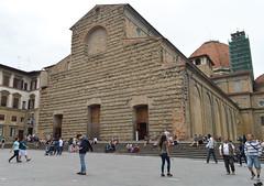 San Lorenzo (Francisco Anzola) Tags: italy church facade florence italia catholic tuscany firenze sanlorenzo toscana medici