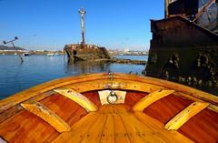 El barco hundido (alfonsocarlospalencia) Tags: azul de madera barco barcos ojos montaa viejo nueva santander nuevo cantabria bote buey raos xido argolla hundido proa polgono hallazgo remaches cuadernas chilita cornamusas