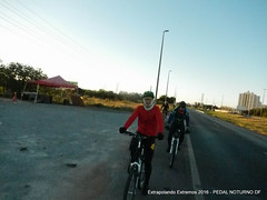 EE16-048 (mandapropndf) Tags: braslia df omega asfalto pirenpolis pedal pir noturno apoio extremos mymi cicloviagem extrapolando
