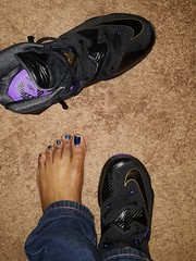 IMG_20160127_175427 (NailPolishDude23) Tags: girls sexy beautiful beauty glitter toes pretty purple sweet blu nike flipflop barefoot barefeet sole ankle soles sleepers prettytoes bluetoes prettyfeet naillaquer purpletoes ebonytoes nailpolishaddict nailpolishaddicts nailie teamprettyfeet