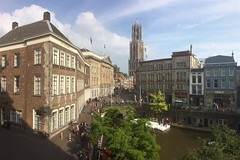 Utrecht, Oudegracht en Domtoren (Hans Westerink) Tags: utrecht domtoren nederland oudegracht iphone sinkel hanswesterink