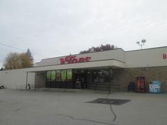 Union City Tops (Random Retail) Tags: store pc supermarket pa former unioncity 2015 topssupermarket topsmarkets