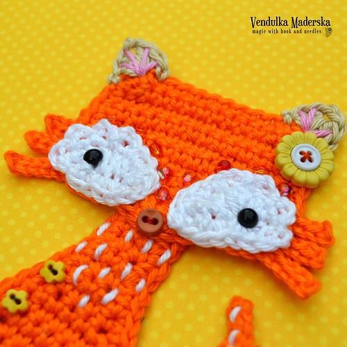 New cutie to my collection 😁 😊 working on the pattern right now 📣😀 #crochetingmakesmehappy #crochetfox #crochetappliques #fox #vendulkampattern #newpatternsoon #vendulkam #etsycrochet #etsy #swarovskibeads #applique