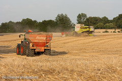 16072015-IMG_7607 (Deschamps productions) Tags: tractor wheat harvest combine harvester tracteur moisson bl fendt claas lexion cestari transbordeur moissonneuse