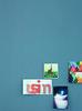 Alpina_Feine_Farben_No_13_Stolzer_Wellenreiter_Detailaufnahme_a (alpinafarben) Tags: farbfamilie blau alpina feine farben no13 solzer wellenreiter azurblau ultramarin graublau küche interieur mogern indoor