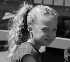 Le suprme bonheur! (dominiquita52) Tags: bw girl smile child streetphotography blonde enfant fille sourire