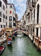 Piccolo ponte sul canale (Ova.) Tags: venice italy canon puente gondola veneto canales