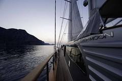 Gn Batarken - Kiralk Yat (DHYACHTING) Tags: moon silver dh silvermoon mavi yat gulet tekne yolculuk yelkenli kiralk yeme tatili teknesi ime haftalk kiralama turlar yatlk gvertede