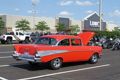 Quakertown Lowes 6/25 2016 (Speeder1) Tags: show blue red white green ford car air pa chevy 1957 mopar lowes bel 57 scamp oldsmobile pinto 309 quakertown 442