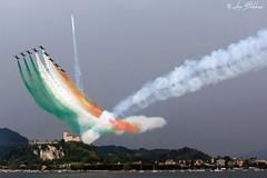 Arona Air Show #2 (Luca Bobbiesi) Tags: airshow arona freccetricolori pattugliaacrobatica pan airplane piemonte scia canoneos40d canonef24105mmf4lisusm tricolore rocca angera