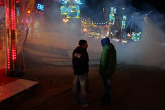 . (Le Cercle Rouge) Tags: paris france fog night smoke luna lunapark nuit brouillard 75012 humans fume foiredutrne humains attractionpark strangenight wwwlecerclerougecom scuritextreme lombredudoute