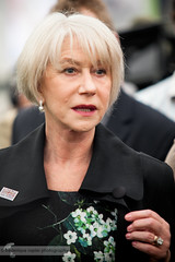 Dame Helen Mirren at Chelsea Flower Show 2013 (Frederique Rapier Photography) Tags: uk flowers london gardens photography events exhibition actress dame botany rhs helenmirren royalhorticulturalsociety cfs chelseaflowershow 100thanniversary frederiquerapier wwwfrederiquerapiercom