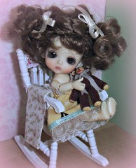 """Rocking chair?"" (Ayla160 >^..^<) Tags: bear brown white ball chair doll teddy lulu little small curls bee curly wig tiny belle bjd rocking beatrice monique jointed lati insomesmallwayminis"