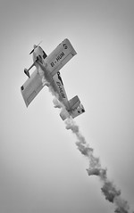 IMG_3037 (jfm_images) Tags: ocean red sea white beach canon rocks sigma airshow arrows 5d 70200 f28 portrush 2013