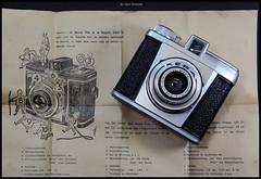 Vredeborch Kera Junior (01) (Hans Kerensky) Tags: camera 120 dutch german junior type sheet manual kera instruction rollfilm vredeborch anywhitefieldtagbyflickrsspamtagbot