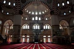 Şehzadebaşı Camii - Şehzadebaşı Mosque (Makalın) Tags: windows window istanbul mosque chandelier chandeliers cami fatih camii şehzadebaşı levha pencereler şehzadebaşıcami avizeler camilevhaları