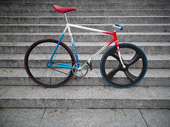 RYCHTARSKI (marianfixed) Tags: blue red white color colors bike wheel track handmade nj poland continental lo uno frame pro jaguar quatro carbon 19 zero tempo pursuit aero nitto duraace riser njs dedacciai 650c rychtarski