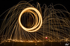 (siomara.reigfornes) Tags: nightphotography lightpainting color art photo picture pic nocturna fuego capture foc chispas ondara lightpainters