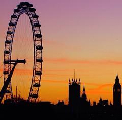 #Perfect #symmetry. #London #Eye. #Sundown. (HOW TO WIN FRIENDS AND INFLUENCE PEOPLE) Tags: london eye perfect sundown symmetry