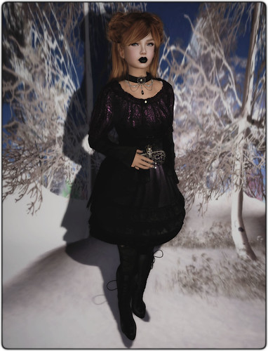 Livid - Barock Doll Dress (Elissabat) - Gothic Corset Boots (Black) - Heavy Vanity Collar & Sir Alexander Clutch (Baroque Violet)