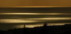 Specchio di mare - Meeresspiegel (zikade) Tags: meer spiegel sicily sonne sicilia ragusa sizilien marinadiragusa meeresspiegel