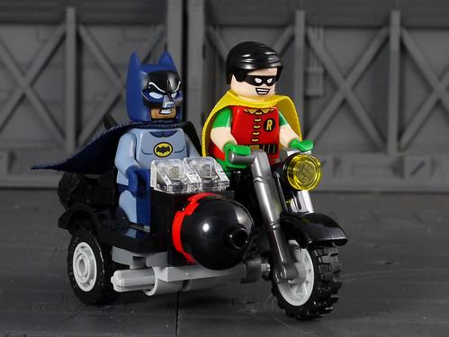 LEGO 76052《1966 影集版蝙蝠俠》蝙蝠洞